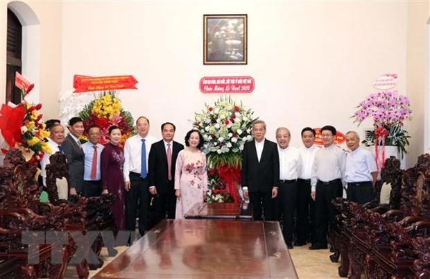 Vœux de Noël aux catholiques de Hô Chi Minh-ville et de Cân Tho - ảnh 1