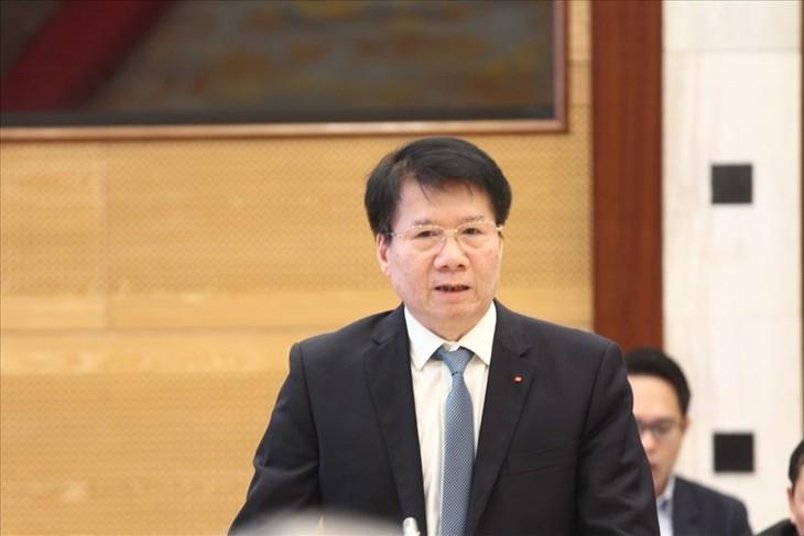 Vaccin anti-Covid-19: le Vietnam achètera 30 millions de doses d'AstraZeneca - ảnh 1