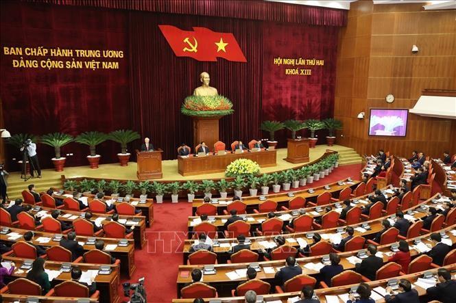 Ouverture du 2e plénum du Comité central du Parti communiste du Vietnam,13e mandat - ảnh 1