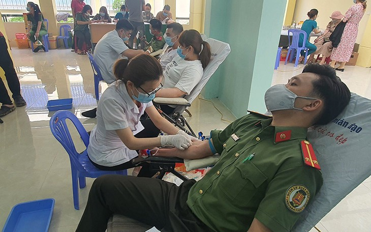 Don du sang : une collecte organisée à Dà Nang - ảnh 1