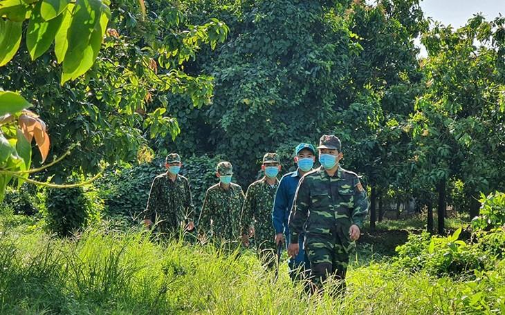 Vu Duc Dam: sanctionner sévèrement les entrées illégales sur le territoire vietnamien - ảnh 1