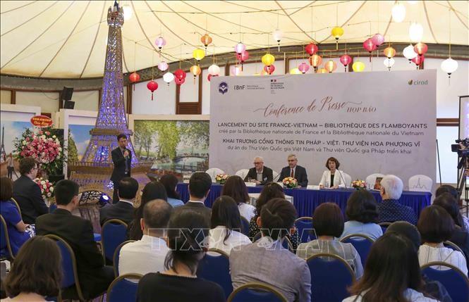 Ouverture d'une bibliothèque numérique franco-vietnamienne - ảnh 1