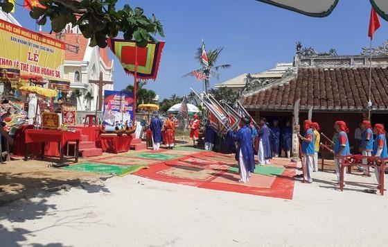Ly Son: cérémonie en mémoire des soldats de Hoàng Sa - ảnh 1