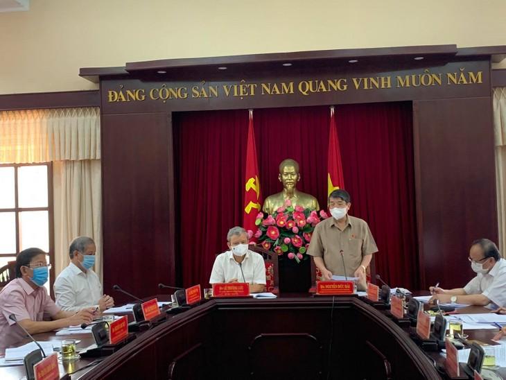 Législatives de 2021: les vice-présidents de l'Assemblée nationale inspectent les préparatifs dans les provinces de Thua Thiên-Huê et de Binh Dinh - ảnh 1