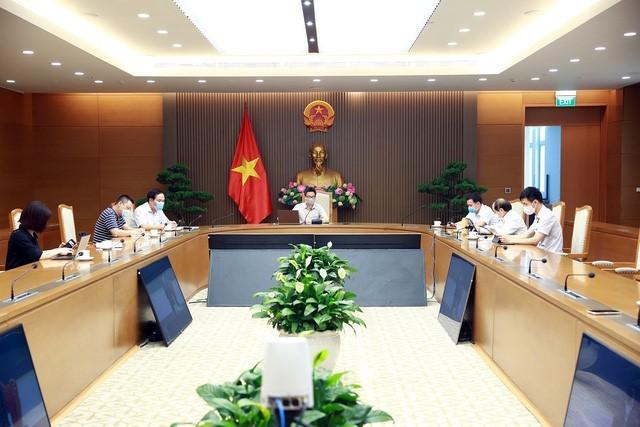 Covid-19 : Vu Duc Dam travaille avec les responsables de la province de Bac Giang - ảnh 1