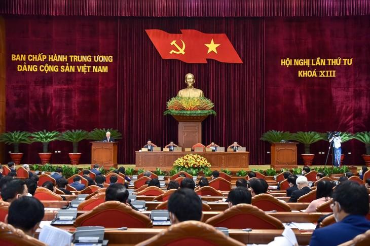 Ouverture du 4e plénum du Comité central du Parti communiste vietnamien - ảnh 1