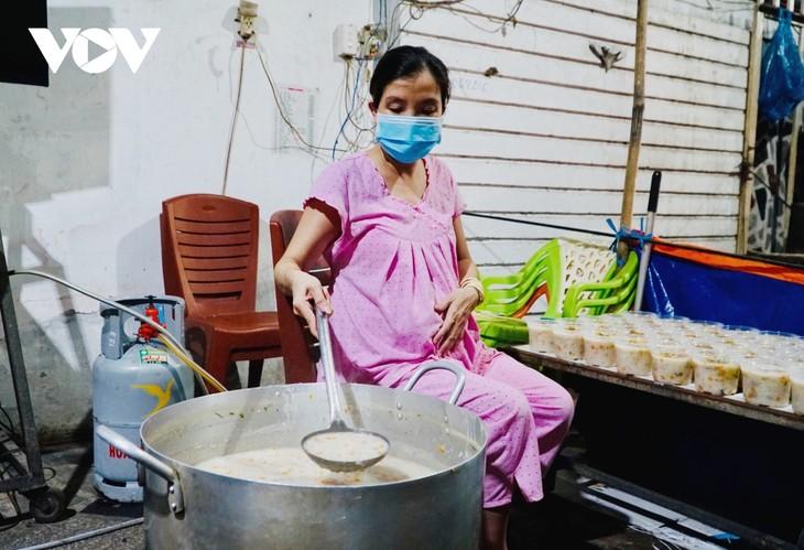 Les repas gratuits de Lê Thi Ngoc Phuoc - ảnh 1