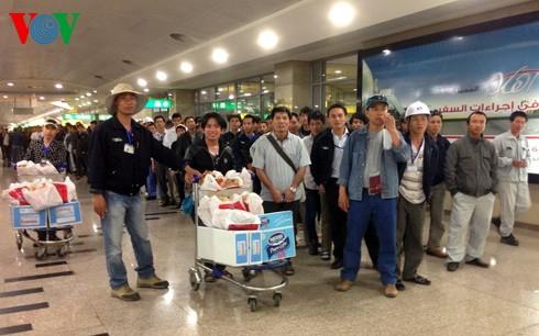 แรงงานเวียดนามในลิเบียส่วนใหญ่ได้กลับประเทศแล้ว - ảnh 1
