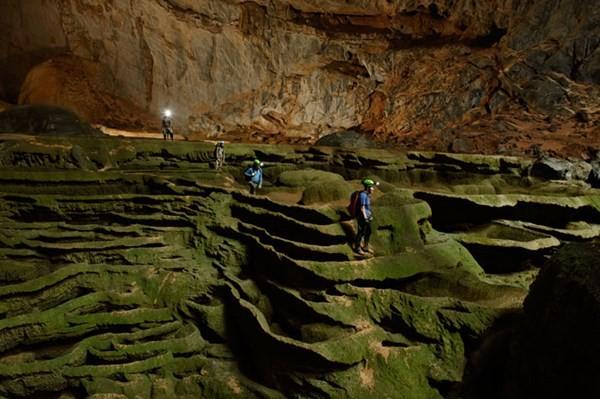 สถานีโทรทัศน์เวียดนามทำภาพยนตร์สารคดีประชาสัมพันธ์ถ้ำเซินด่อง ถ้ำที่ใหญ่ที่สุดในโลก - ảnh 1