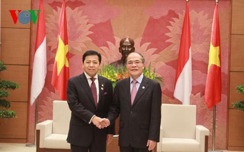 ประธานรัฐสภาให้การต้อนรับประธานสภาล่างอินโดนีเซีย - ảnh 1