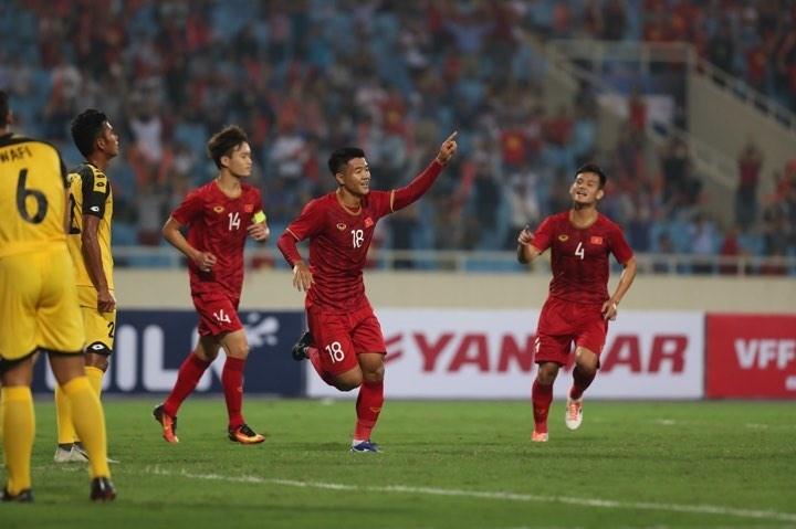 เวียดนามชนะบรูไนในการแข่งขันฟุตบอลชายชิงแชมป์เอเชียยู 23  อยู่อันดับหนึ่งในกลุ่มเค - ảnh 1