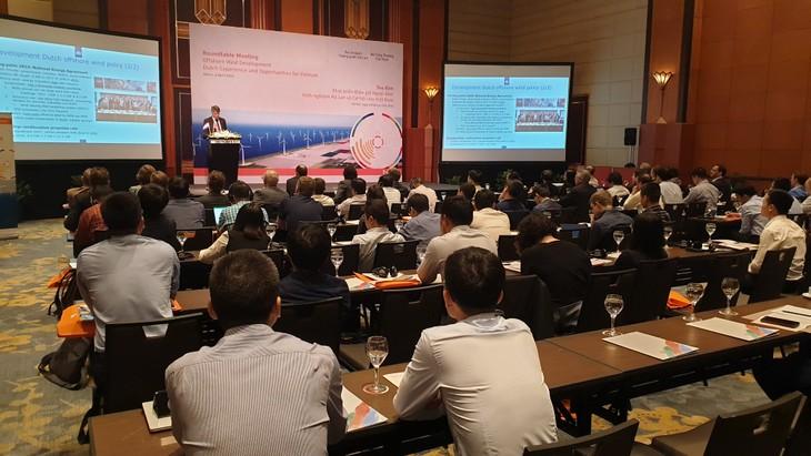 เวียดนามหารือเกี่ยวกับโอกาสและความท้าทายในการพัฒนาไฟฟ้าพลังงานลมในทะเลกับหุ้นส่วนเนเธอร์แลนด์ - ảnh 1