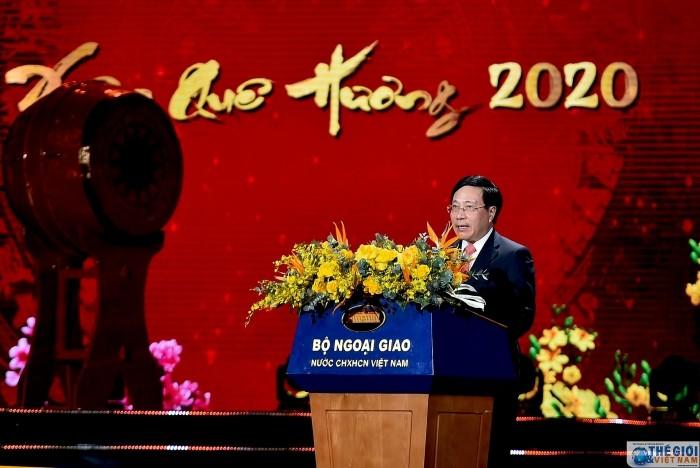 """ชาวเวียดนามโพ้นทะเลประมาณ 1,500 คนเข้าร่วมรายการ """"วสันต์ฤดูในบ้านเกิดปี 2020"""" - ảnh 1"""