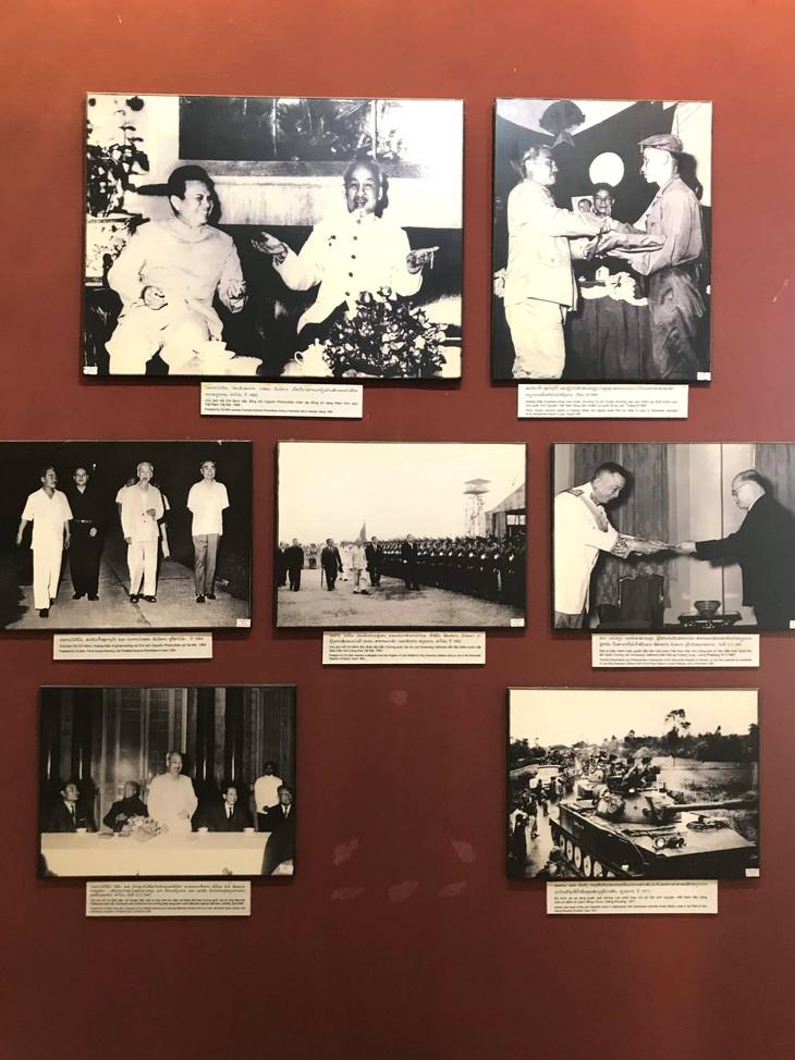 อนุสรณ์สถานประธานโฮจิมินห์ในแขวงคำม่วน ประเทศลาว ร่องรอยเกี่ยวกับความสามัคคีเวียดนาม – ลาว - ảnh 14