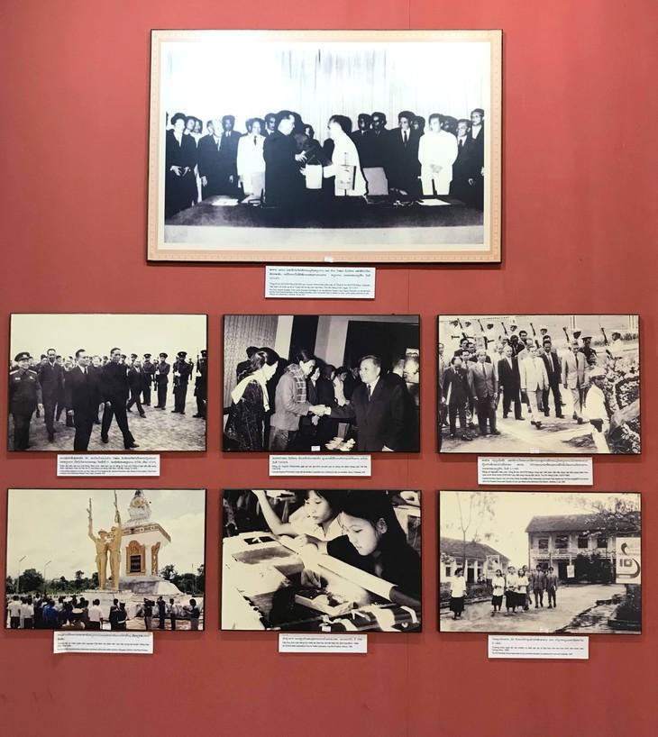 อนุสรณ์สถานประธานโฮจิมินห์ในแขวงคำม่วน ประเทศลาว ร่องรอยเกี่ยวกับความสามัคคีเวียดนาม – ลาว - ảnh 16