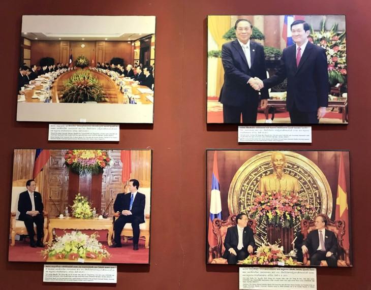 อนุสรณ์สถานประธานโฮจิมินห์ในแขวงคำม่วน ประเทศลาว ร่องรอยเกี่ยวกับความสามัคคีเวียดนาม – ลาว - ảnh 25