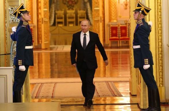 รัสเซียยังคงต้องการนาย ปูติน - ảnh 1