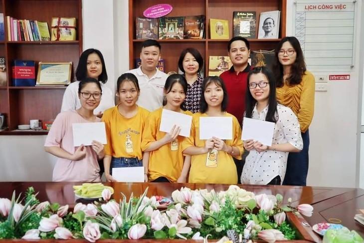 ชั้นเรียนภาษาลาวในกรุงฮานอย จุดประกายความรักประเทศลาวให้แก่เยาวชนเวียดนาม - ảnh 1