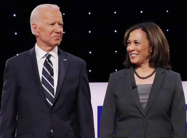 นาย โจ ไบเดนและนาง คามาลา แฮร์ริส ปรากฎตัวร่วมกันครั้งแรกในการหาเสียงเลือกตั้งประธานาธิบดีสหรัฐปี 2020 - ảnh 1