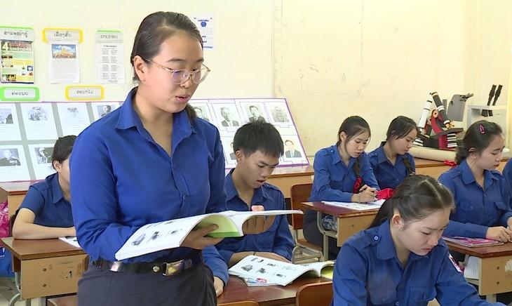 โรงเรียนมัธยมปลายมิตรภาพลาว-เวียดนาม จุดประกายแห่งความฝัน - ảnh 2