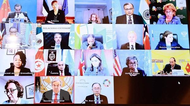 ประธานประเทศ เหงียนซวนฟุ๊ก ยืนยันเวียดนามยืนหยัดเส้นทางการต่างประเทศที่อิสระ พึ่งตนเองและมีความสัมพันธ์ในกรอบพหุภาคี - ảnh 1