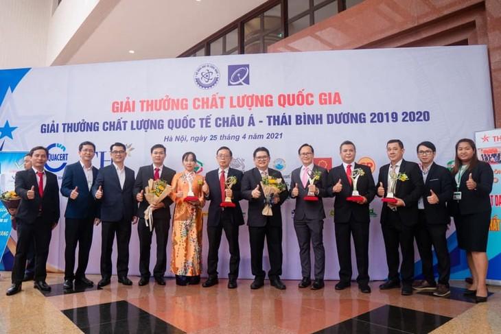 ซี.พี. เวียดนามรับรางวัลเหรียญทองคุณภาพแห่งชาติในปี 2020  - ảnh 1
