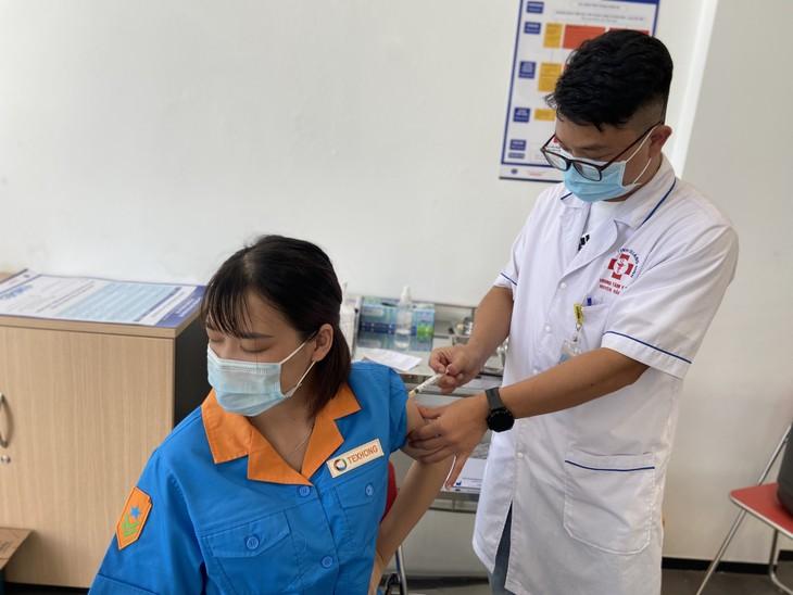 จังหวัดกว๋างนิงห์รักษาความมีเสถียรภาพและพัฒนาการผลิตอุตสาหกรรมท่ามกลางการแพร่ระบาดของโรคโควิด -19 - ảnh 1