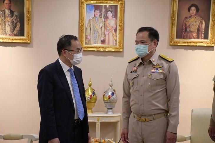 ไทยอำนวยความสะดวกในการส่งออกวัคซีน AstraZeneca มายังเวียดนามเวียดนาม - ảnh 1