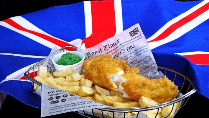 Fish and chips, the most English dish of all - ảnh 2