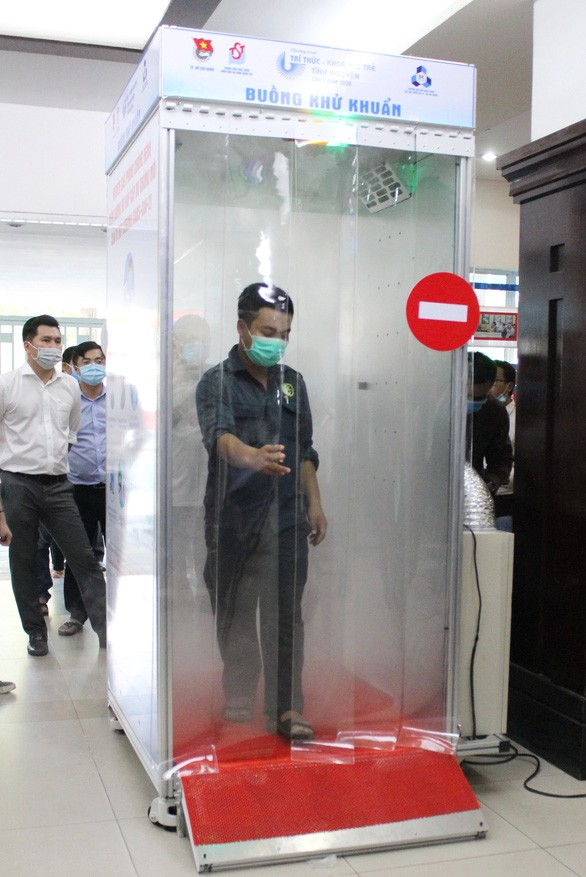 Ho Chi Minh city introduces quick sanitizing booth - ảnh 1
