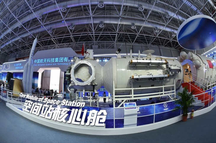 China launches new Long March-5B rocket  - ảnh 1