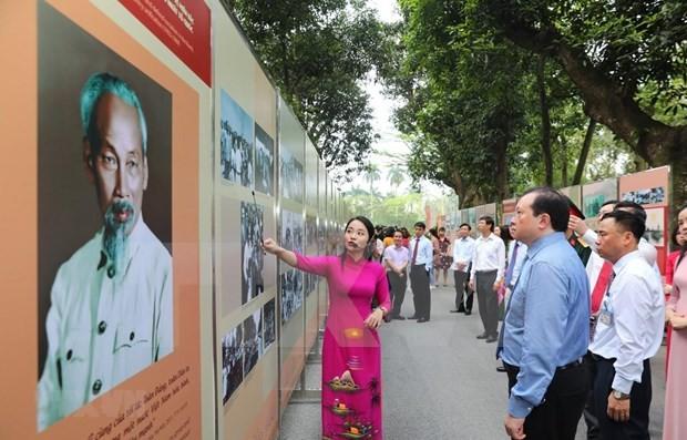 Celebrations of 130th birthday of President Ho Chi Minh   - ảnh 1