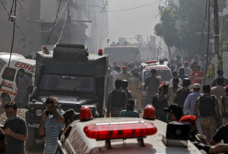 Death toll from Pakistani air crash rises to 80 - ảnh 1