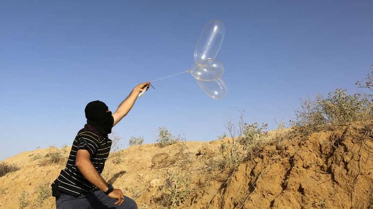 Israel attacks Hamas bases in Gaza - ảnh 1