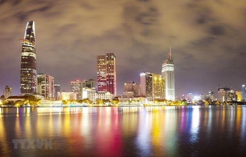 Foreigners optimistic about Vietnam's economic recovery - ảnh 1