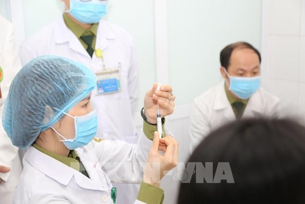 Vietnam completes first shots of Nano Covax in 2nd-stage human trials - ảnh 1