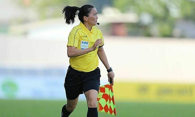 Female refs to make men's football league debut - ảnh 1