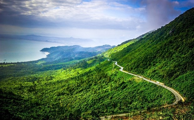 Hai Van Pass named among world's most beautiful drives - ảnh 1