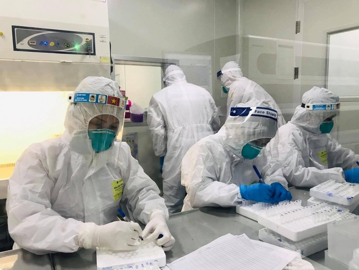 Vietnam confirms 2,821 more cases of COVID-19  - ảnh 1