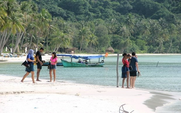 Plan to welcome back foreign visitors to Phu Quoc remains unchanged - ảnh 1