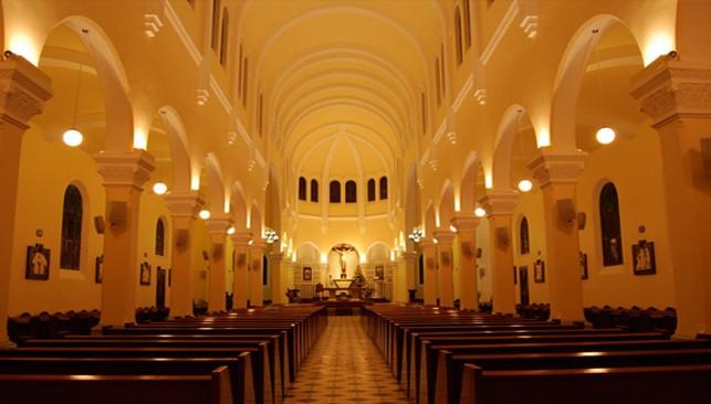 Vẻ đẹp kiến trúc nhà thờ Con gà và nhà thờ Đức Bà ở Đà Lạt - ảnh 2