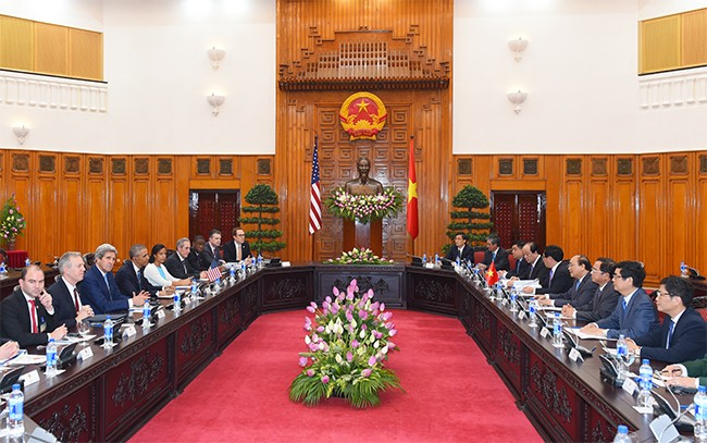 Thủ tướng Nguyễn Xuân Phúc gặp Tổng thống Hoa Kỳ Barack  Obama - ảnh 1