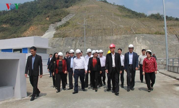 Chủ tịch Quốc hội lưu ý công tác tái định cư và trồng rừng tại huyện Nậm Nhùn, tỉnh Lai Châu - ảnh 1