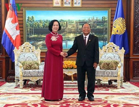Bà Trương Thị Mai thăm và làm việc tại Campuchia - ảnh 1