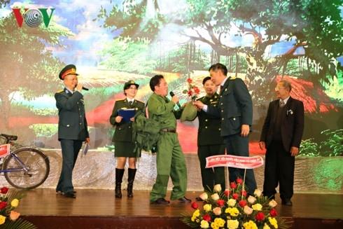 Cựu chiến binh tại Séc kỷ niệm ngày thành lập QĐND Việt Nam - ảnh 2