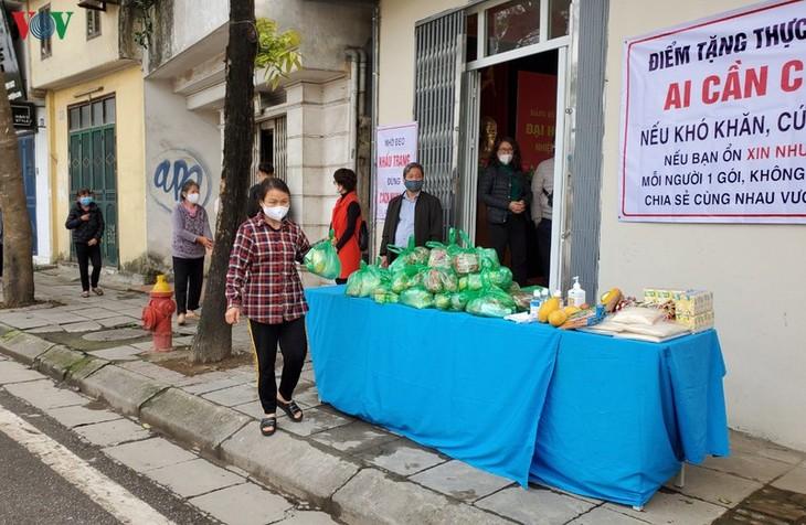 Thơm thảo những tấm lòng hỗ trợ người nghèo vượt qua đại dịch - ảnh 1