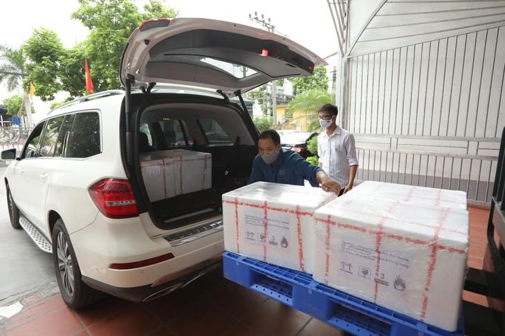Sao Thái Dương tặng Bộ Y tế 50.000 test thử xét nghiệm virus SARS-COV-2 - ảnh 1