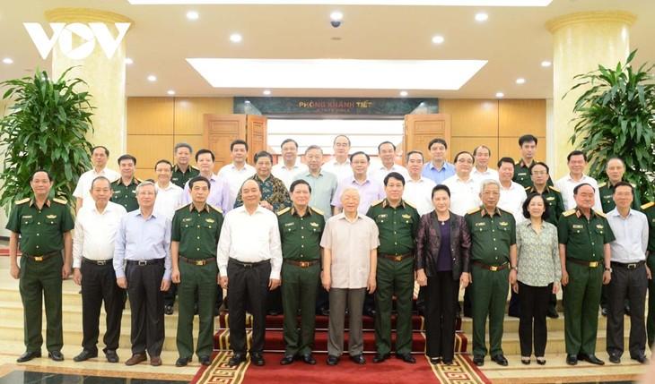 Bộ Chính trị làm việc với Quân ủy Trung ương về chuẩn bị Đại hội Đảng bộ Quân đội - ảnh 1