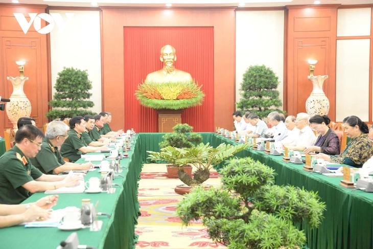 Bộ Chính trị làm việc với Quân ủy Trung ương về chuẩn bị Đại hội Đảng bộ Quân đội - ảnh 3