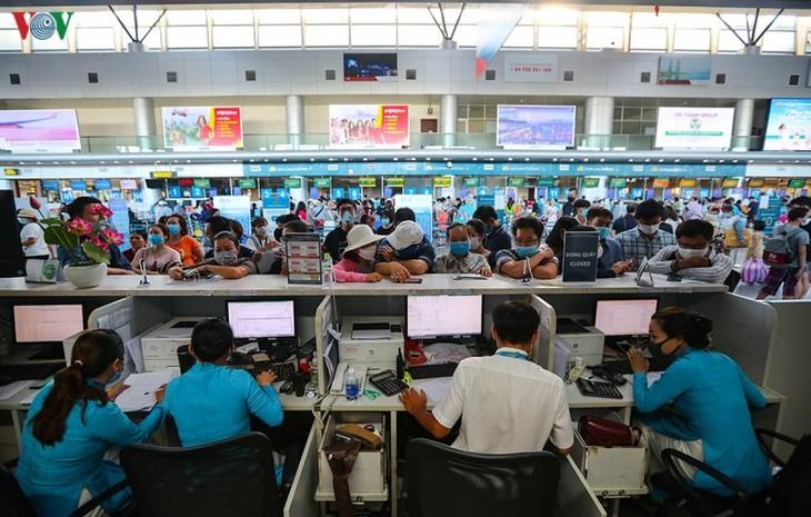 Chính thức dỡ bỏ giãn cách chỗ ngồi trên máy bay, tàu, xe xuất phát từ Đà Nẵng - ảnh 3